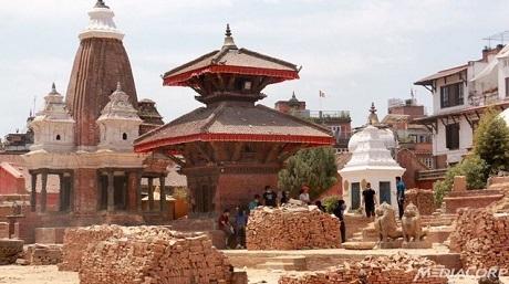 Bên cạnh cứu tế cho các nạn nhân, Nepal bắt đầu công cuộc tái thiết sau động đất. (Ảnh: