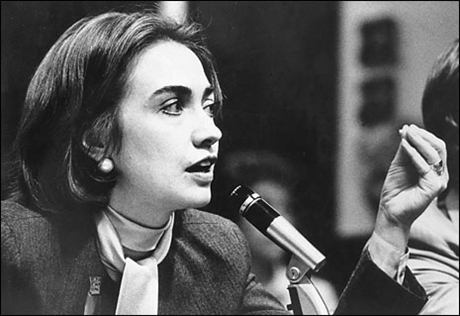Bà Hillary Clinton trong một buổi nói chuyện. (Ảnh: