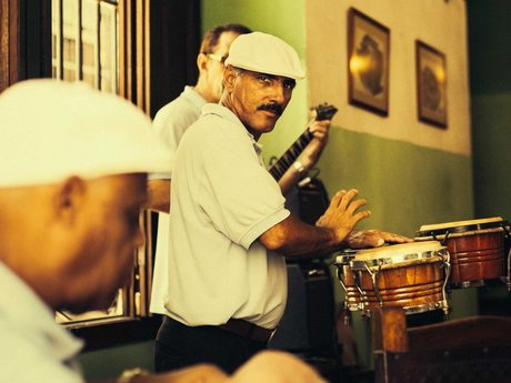 Và khi đến Cuba, du khách không nên bỏ lỡ điệu Salsa.