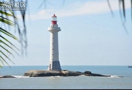 Trung Quốc khởi công 2 ngọn hải đăng trái phép tại quần đảo Trường Sa