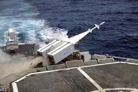 Một vụ bắn thử tên lửa SeaSparrow. (Ảnh: