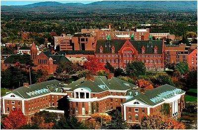 Khuôn viên trường đại học Vermont.