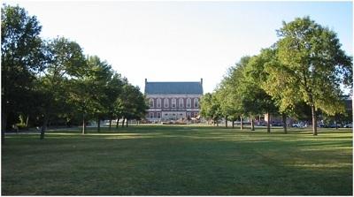 Khuôn viên trường Đại học Maine.