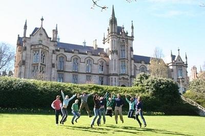 Khung cảnh trường đại học Ulster.