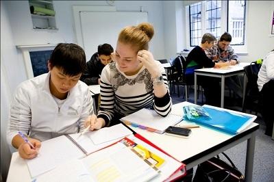 Lớp học phụ đạo dành riêng cho học sinh tại Bellerbys College.