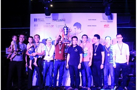 London 1 - đội vô địch UKAV Cup 2014 tại lễ trao giải