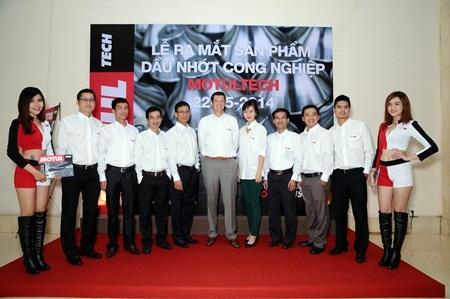 Ra mắt đội ngũ Kinh doanh – Tiếp thị dầu nhớt công nghiệp MotulTech Việt Nam cùng Tổng Giám đốc.