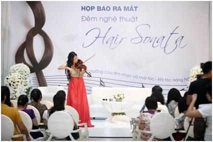 """""""Khi tóc nàng hát"""" và câu chuyện nghệ thuật khác biệt"""