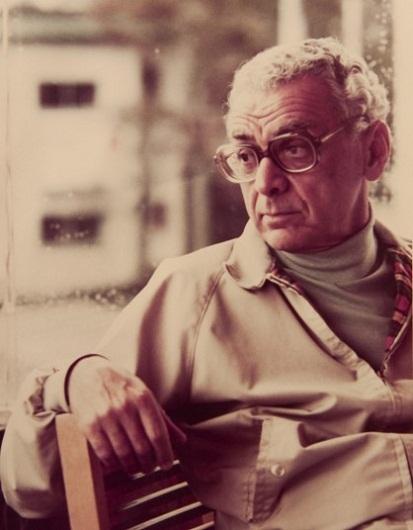 Nhà văn chiến trường Roy Essoyan (Ảnh chụp năm 1982)