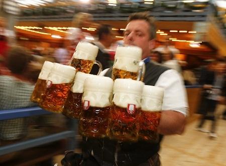 Tưng bừng lễ hội bia lớn nhất thế giới của Đức