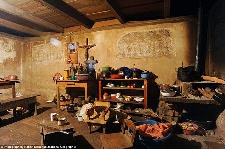 Ngôi nhà nhỏ nằm ở ngôi làng xa xôi hẻo lánh Chajul đã có tuổi thọ 300 năm