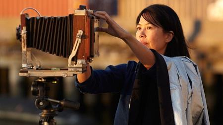 Học giả Huỳnh Sanh Thông là người Mỹ gốc Việt đầu tiên được trao giải MacArthur năm 1987.