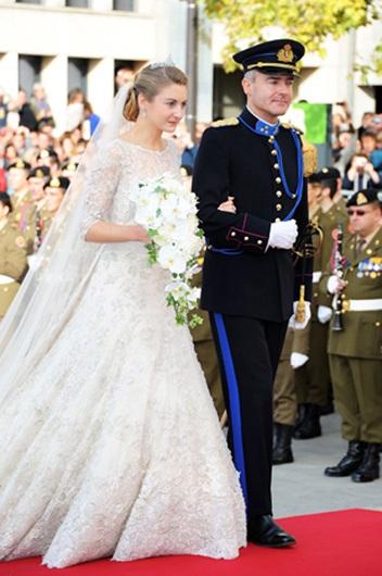 Công nương xinh đẹp của Luxembourg và anh trai là bá tước Jehan de Lannoy.