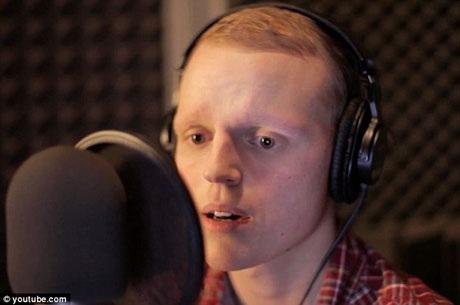 Ca khúc của cậu bé ung thư gây sốt cư dân mạng