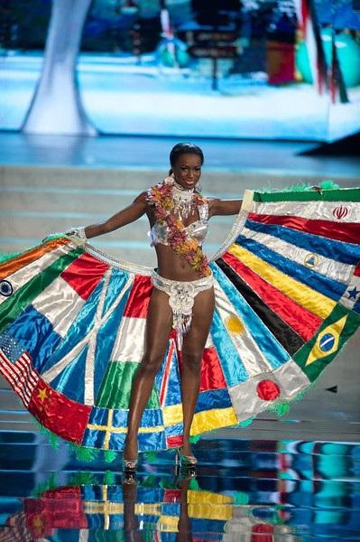 Miss Canada- Adwoa Yamoah
