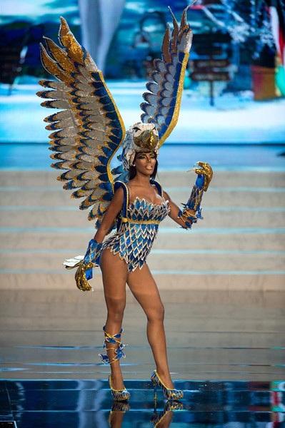 Miss Curacao- Monifa Jansen