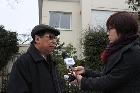 Phóng viên VOV phỏng vấn ông Trịnh Ngọc Thái.