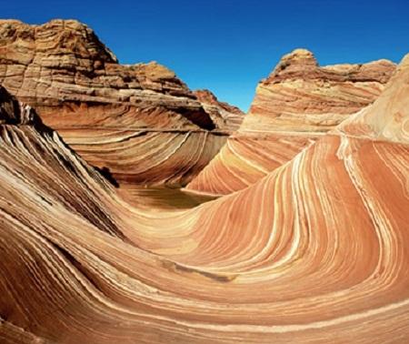 Chính mưa, gió đã là những nghệ nhân kiên trì đẽo tạc nên những khối sa thạch tuyệt đẹp này.