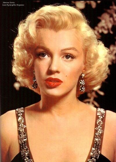 Mái tóc xoăn vàng của Marilyn Monroe