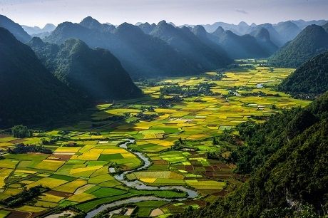 Du lịch – Những thửa ruộng ở thung lũng Bắc Sơn, Việt Nam (Tác giả Hoàng Hải Thịnh).