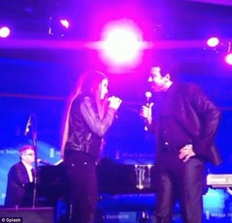 """Lionel Richie lần đầu tiên song ca với con gái bản hit """"Hello"""""""