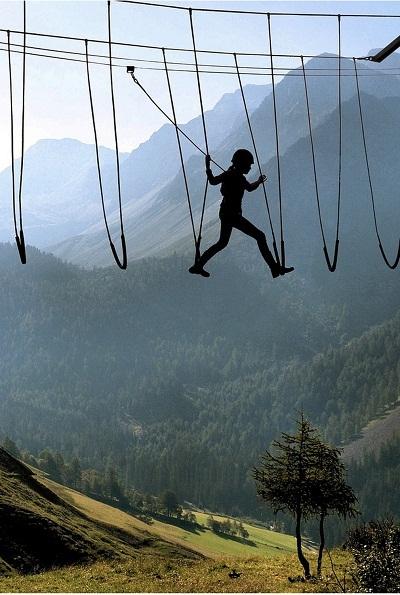 Thăm quan trên những đỉnh núi của dãy Anpơ, Thụy Sĩ.
