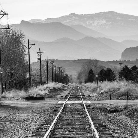 Đường tàu hỏa ở Colorado, Mỹ.