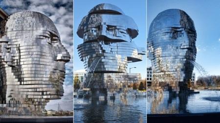 Công trình đài phun nước Metalmorphosis tại công viên Whitehall thành phố Charlotte, Mỹ.