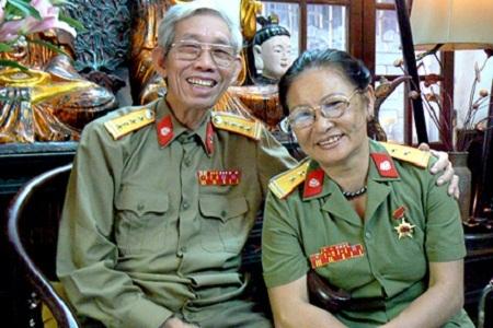 Vợ chồng nhạc sĩ Thuận Yến (ảnh do gia đình cung cấp).