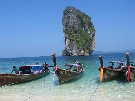 Bãi biển Cửa Đại là một trong những bãi biển đẹp nhất Châu Á