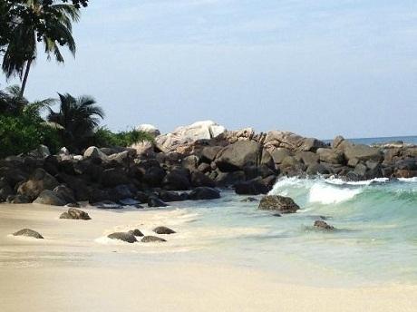 Candolim với bãi cát vàng chạy dài là một trong những điểm đến hấp dẫn ở Ấn Độ mỗi dịp hè về.