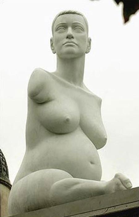 5 bức tượng gây tranh cãi dữ dội