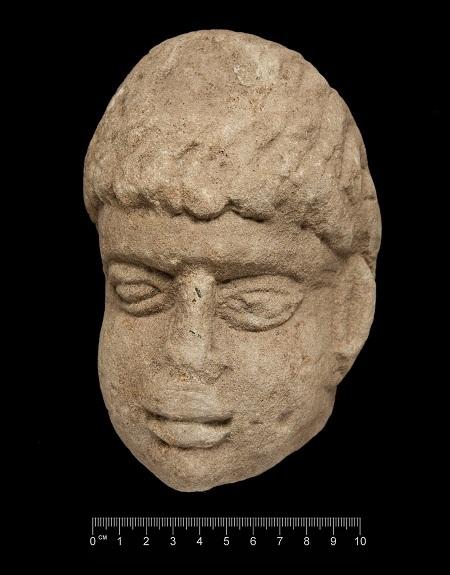 Bức tượng cổ 1.800 năm tuổi