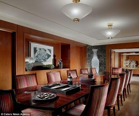Khám phá phòng khách sạn có giá 1,6 tỷ đồng/ đêm
