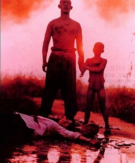 """Một cảnh quay ấn tượng trong bộ phim điện ảnh """"Cao lương đỏ"""" (1987)"""