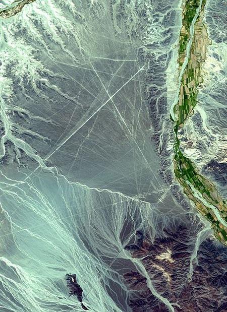 Ảnh vệ tinh của cao nguyên Nazca