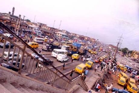 Đường phố Lagos, Nigeria.