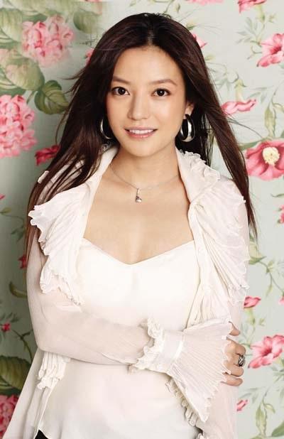 Đứng thứ 5 là nữ diễn viên Trương Bá Chi với thu nhập 75 triệu tệ.