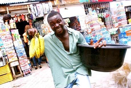 Một người bán hoa quả.