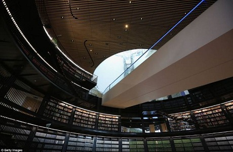 Thư viện được thiết kế bởi kiến trúc sư Francine Houben