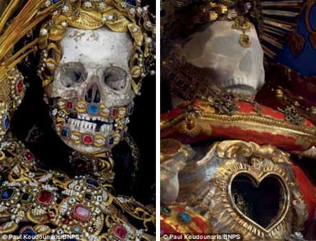 Bộ hài cốt của thánh Albertus ở Burgrain (Đức) và thánh Felix ở Sursee (Thụy Sĩ).
