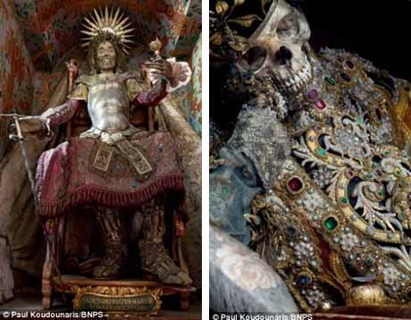 Di hài thánh Deodatus ở Rheinau (Thụy Sĩ) và thánh Valentinus ở Waldsassen (Đức).