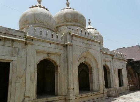 Một đền thờ Hồi giáo từng được xây dưới thời vị hoàng đế cuối cùng.