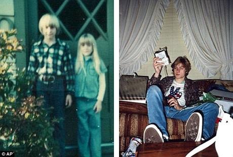 Kurt chụp hình cùng em gái bên ngoài căn nhà nhỏ ở thị trấn Aberdeen hồi cuối thập niên 1970.
