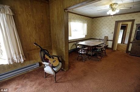 Nơi cả gia đình Cobain từng ngồi ăn với nhau.