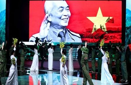Vietnam's next top Model và Giọng hát Việt bị phê thiếu tế nhị