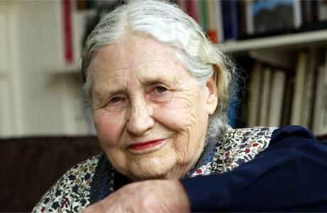 Nhà văn Anh Doris Lessing