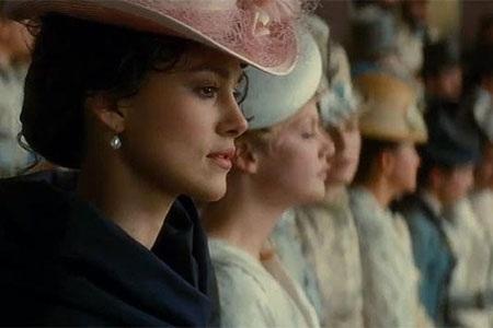 Nữ diễn viên Keira Knightley vào vai Anna Karenina trong tác phẩm điện ảnh chuyển thể năm 2005.