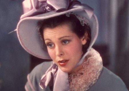 Nữ diễn viên Miriam Hopkins trong vai Becky Sharp trong tác phẩm điện ảnh cùng tên năm 1935.