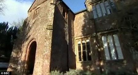 Ngôi nhà từng là nơi ở của các phó chủ giáo tại thị trấn Taunton, hạt Somerset.